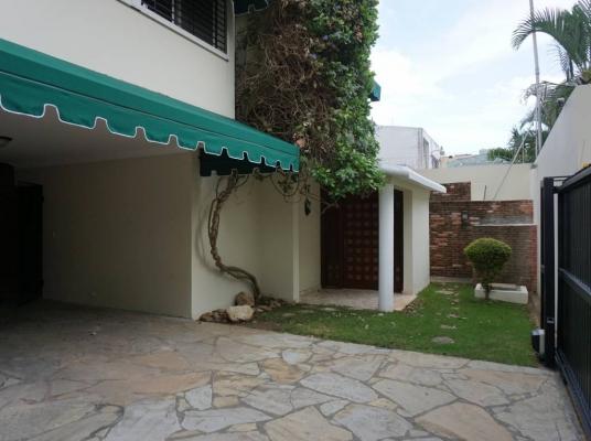 Amplia y cómoda casa en alquiler - Paraiso