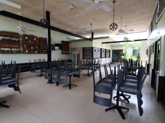 Amplio Restaurante en venta, Los Prados