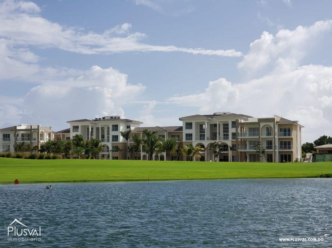 Apartamento con vistas al lago de Cana Bay