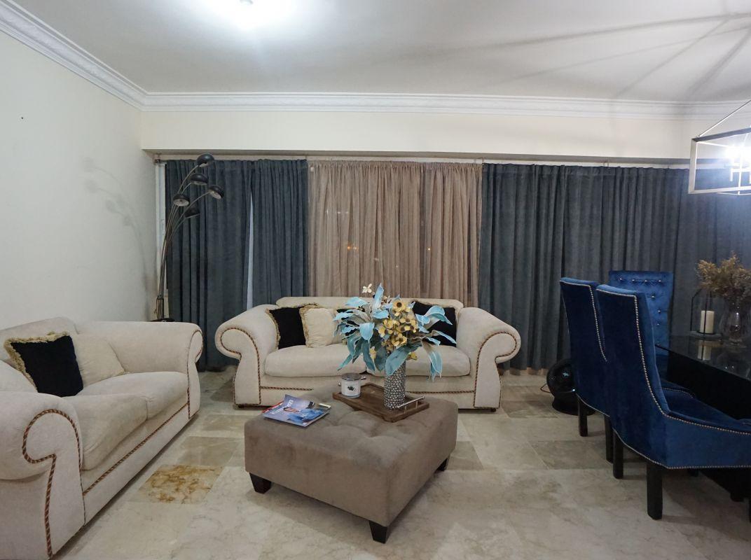 Apartamento amueblado en alquiler en Urb. Real