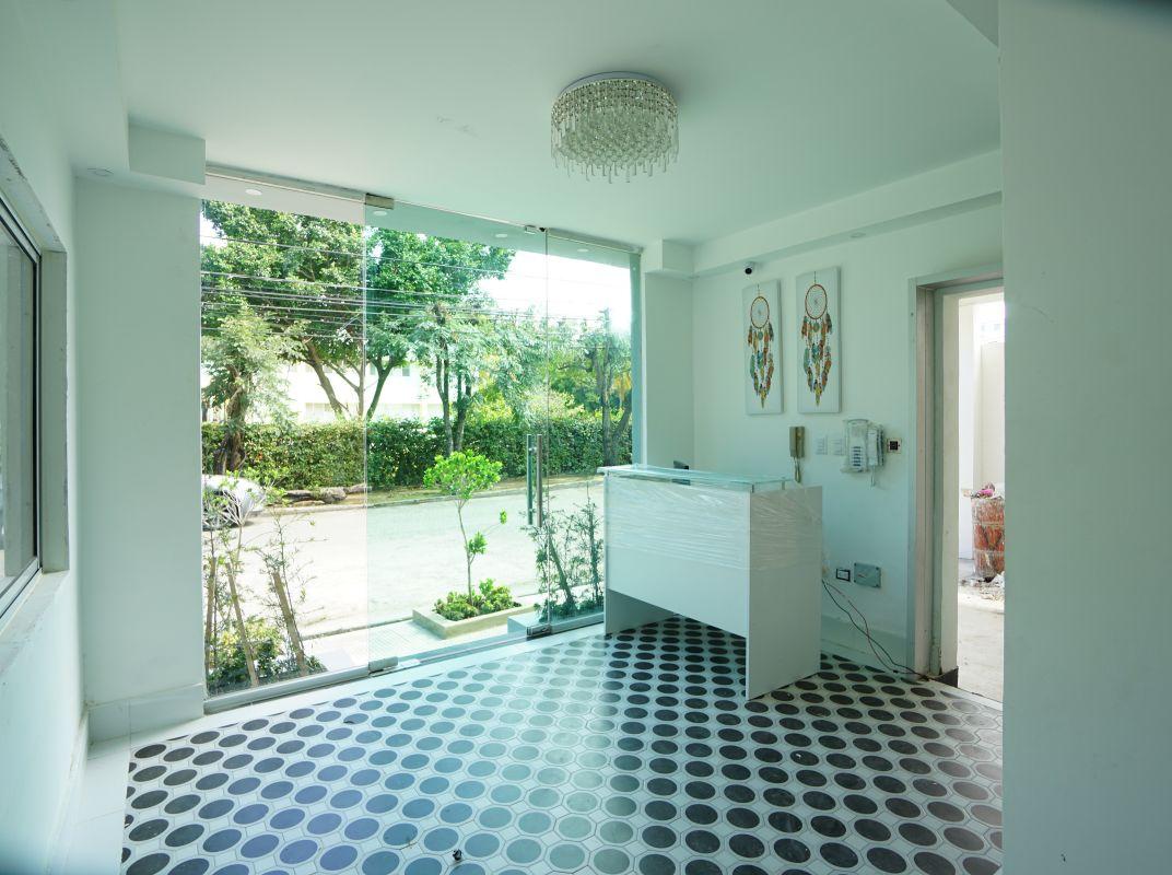 Amplio apartamento en zona residencial tranquila y segura, El Millón