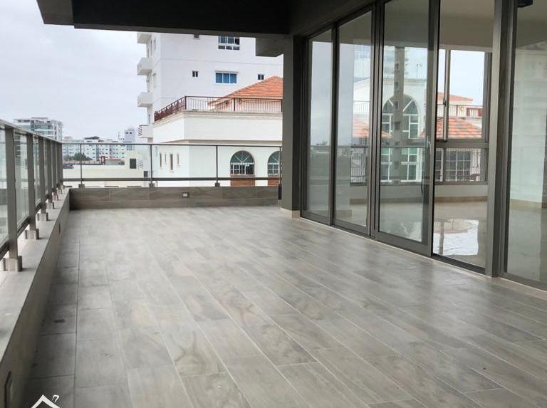 Apartamento de venta en los cacicazgos con 330mts netos de construcción
