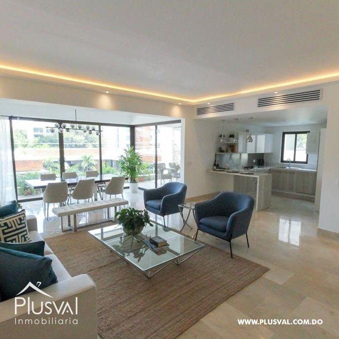 Apartamento en venta en Paraiso con excelentes areas sociales