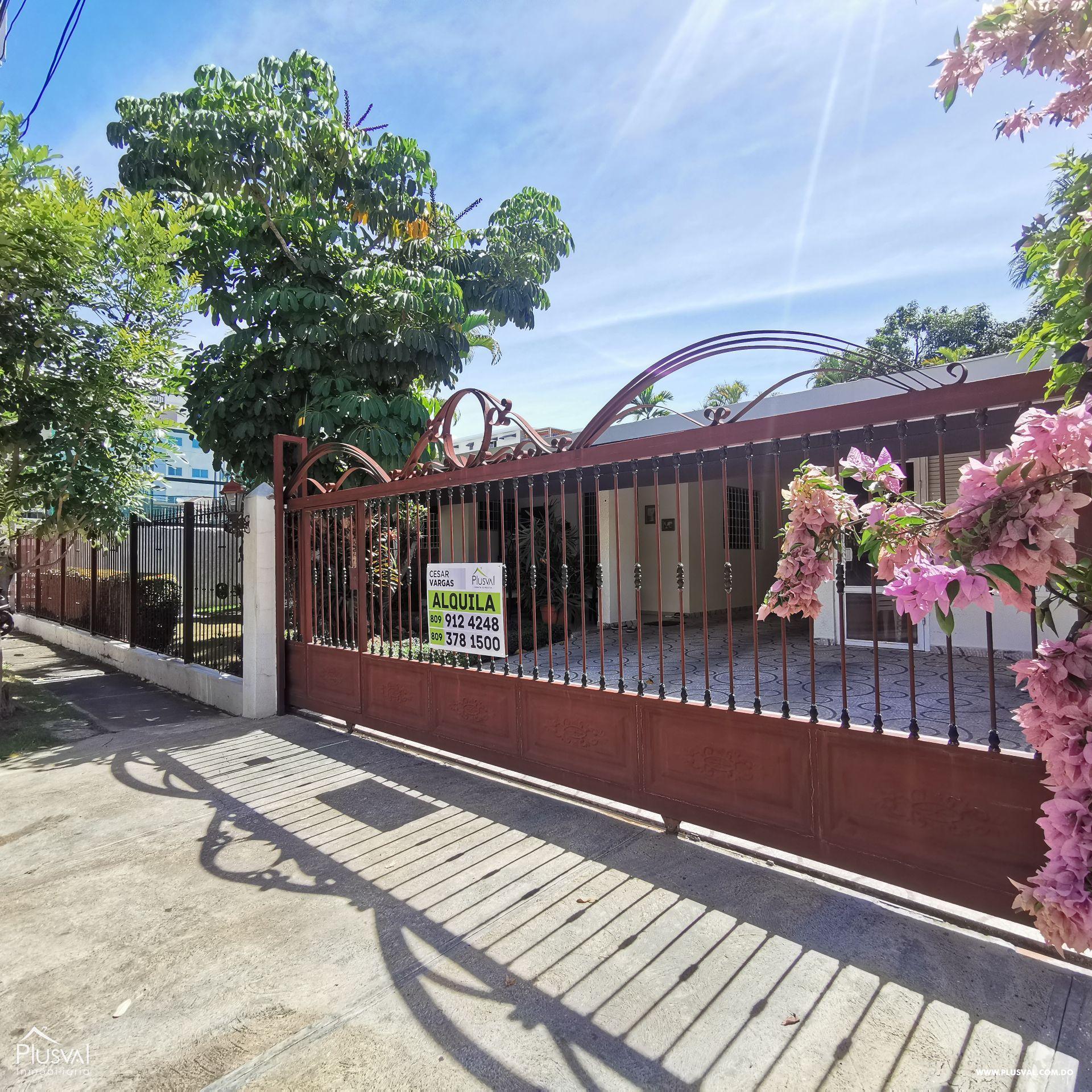 Casa en Alquiler Los Prados para Negocios