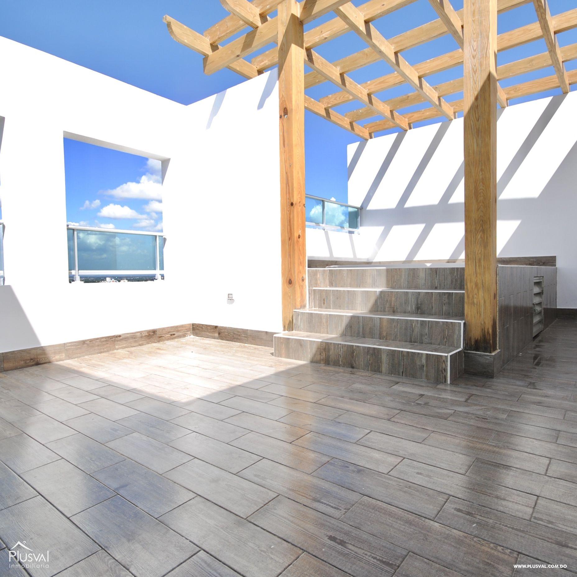 Penthouse en venta, Piantini con terraza y jacuzzi