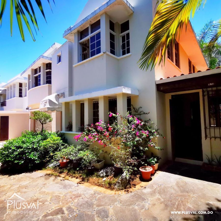 Casa en Venta en Los Cacicazgos, Excelente Distribución y Precio