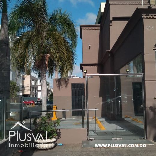 Local comercial en Alquiler en Naco 141790