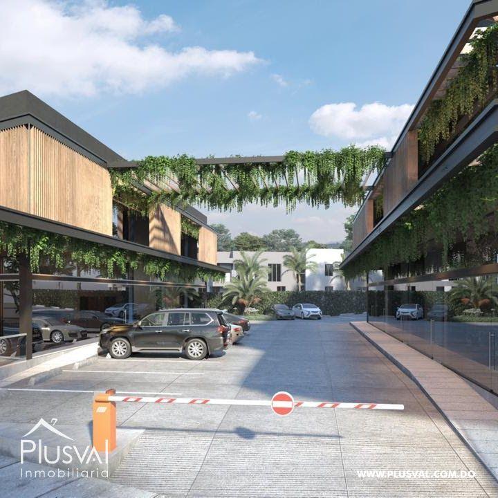 Exclusiva y vanguardista plaza comercial con 9 locales en alquiler en Arroyo Hondo (Luis Amiama Tío)