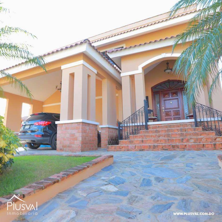 Amplia casa con piscina en El Portal