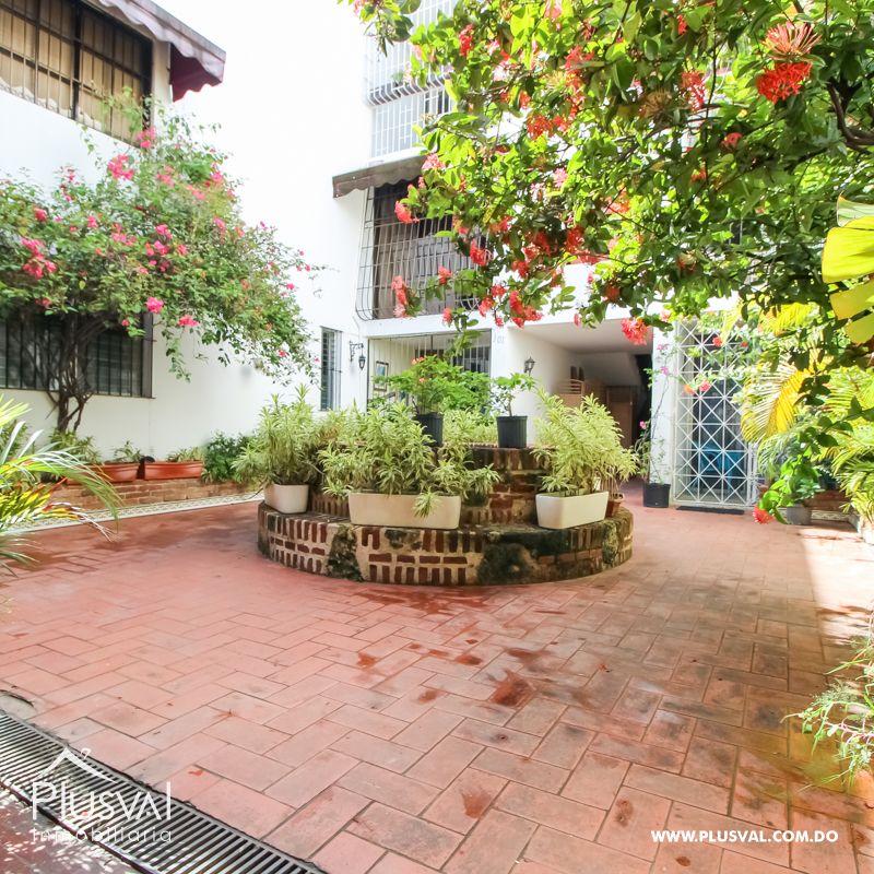 Apartamento amueblado en venta con excelente ubicación en la Zona Colonial