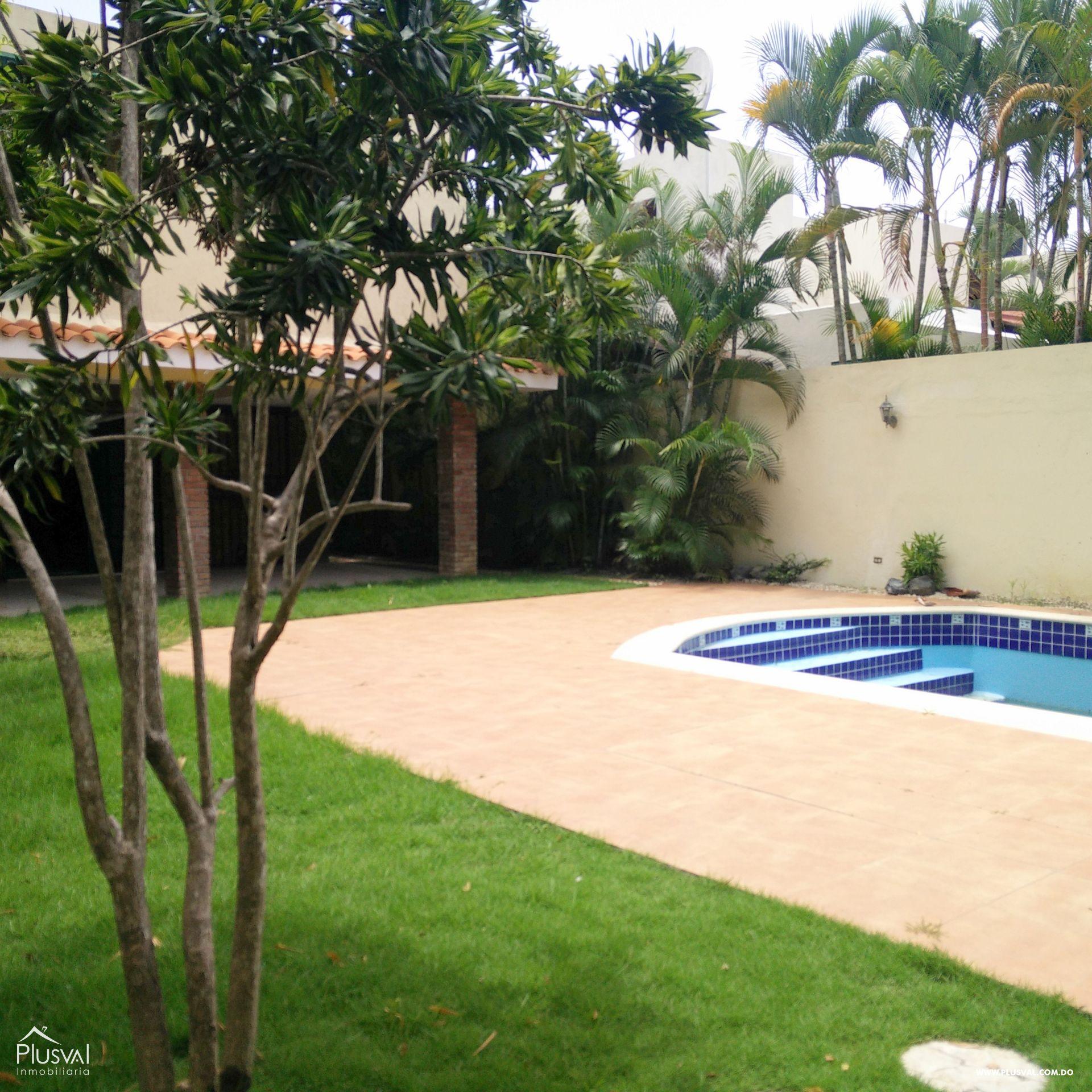 Casa con Piscina  en Alquiler en Cuesta Hermosa