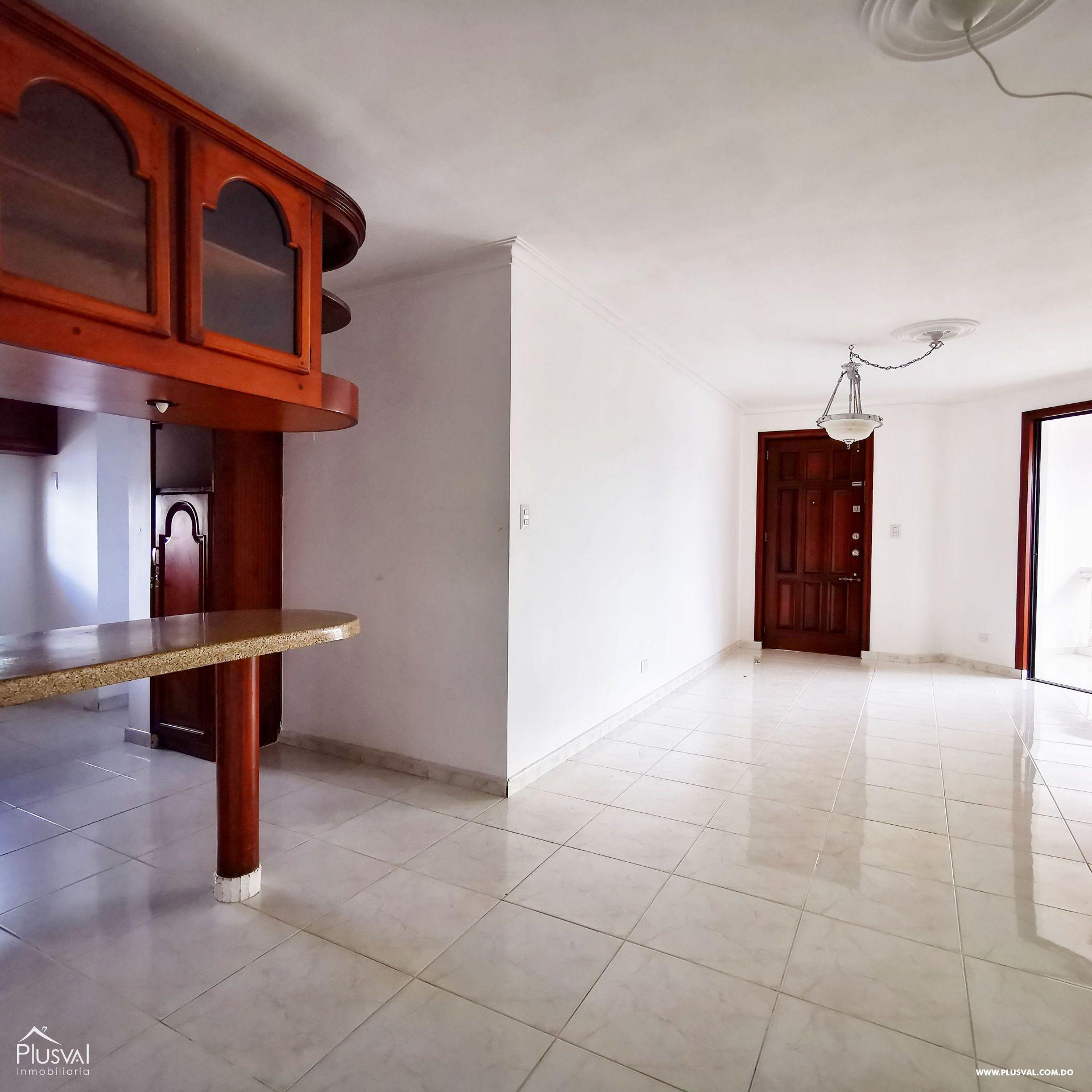 Apartamento en Alquiler 3 Habitaciones Amplio y bien localizado en Arroyo Hondo Viejo