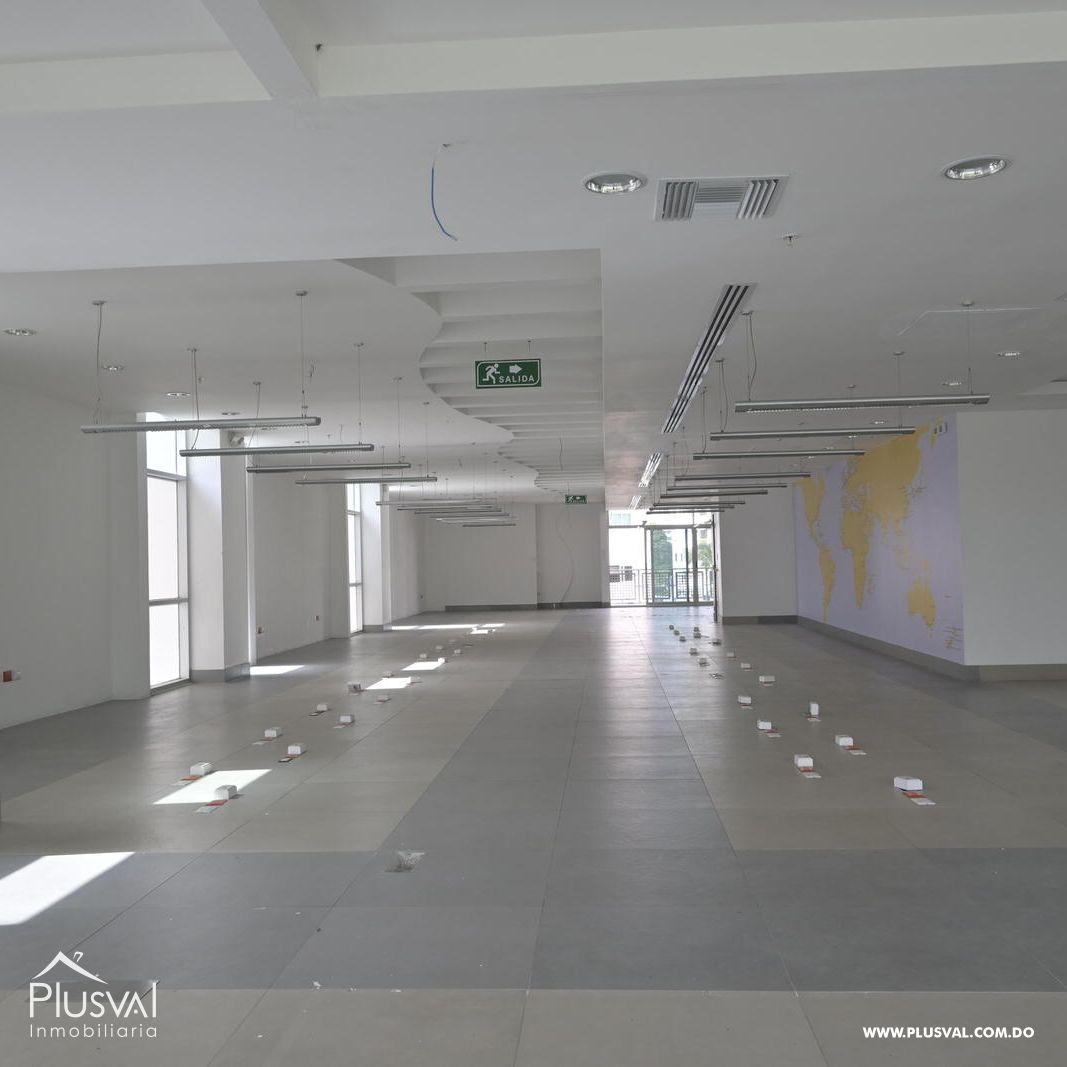 Edificio en alquiler en el sector de piantini , en excelentes condiciones 147154