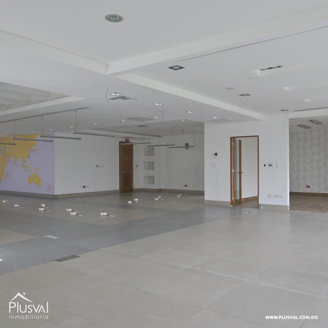 Edificio en alquiler en el sector de piantini , en excelentes condiciones 147155