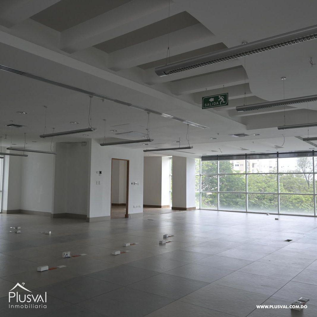 Edificio en alquiler en el sector de piantini , en excelentes condiciones 147157