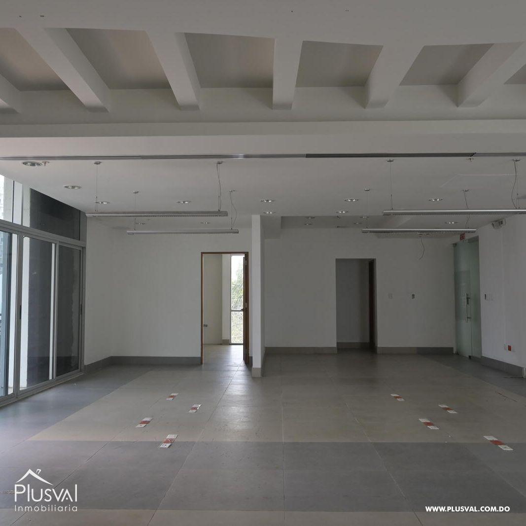 Edificio en alquiler en el sector de piantini , en excelentes condiciones 147158