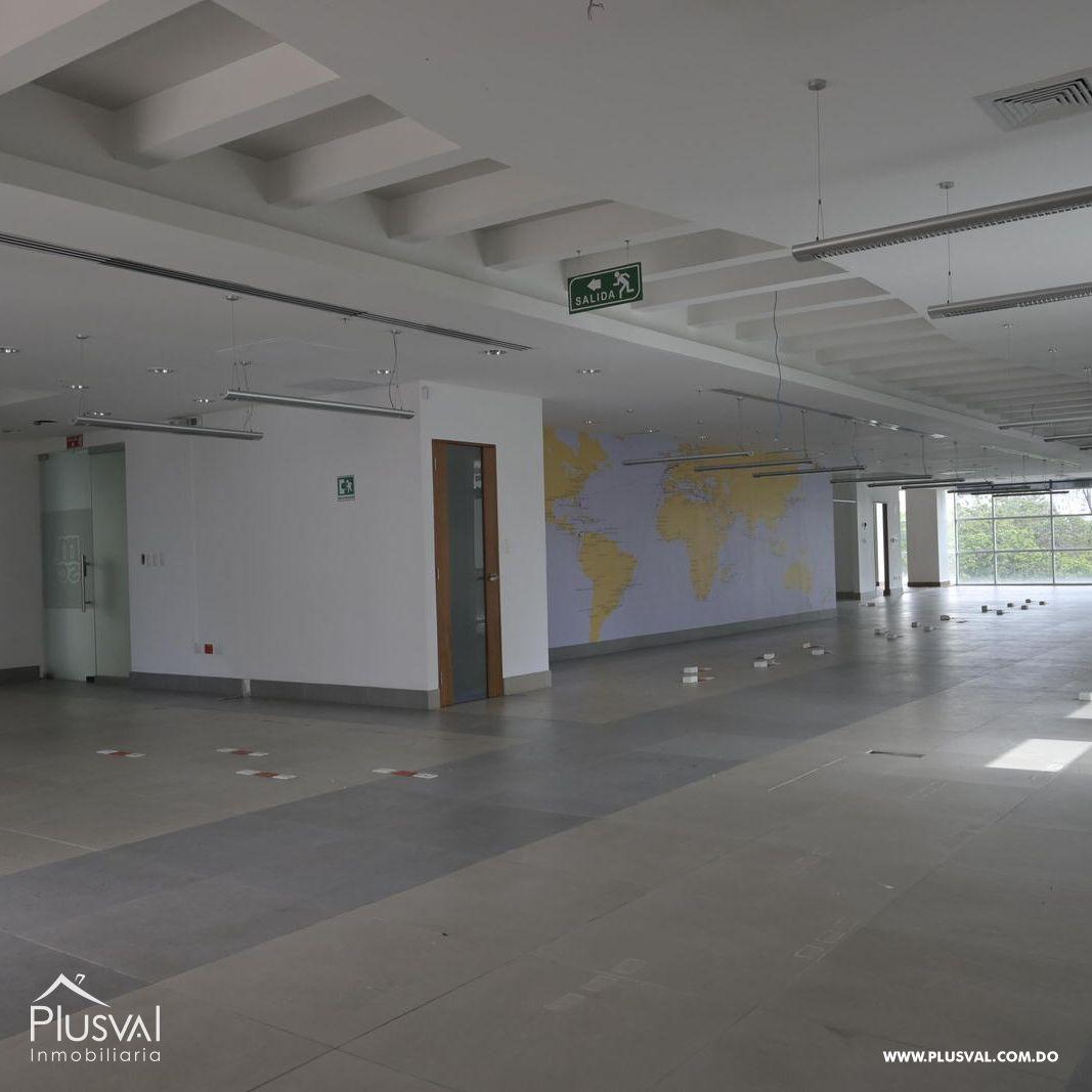 Local de oficina en alquiler en el sector de Naco