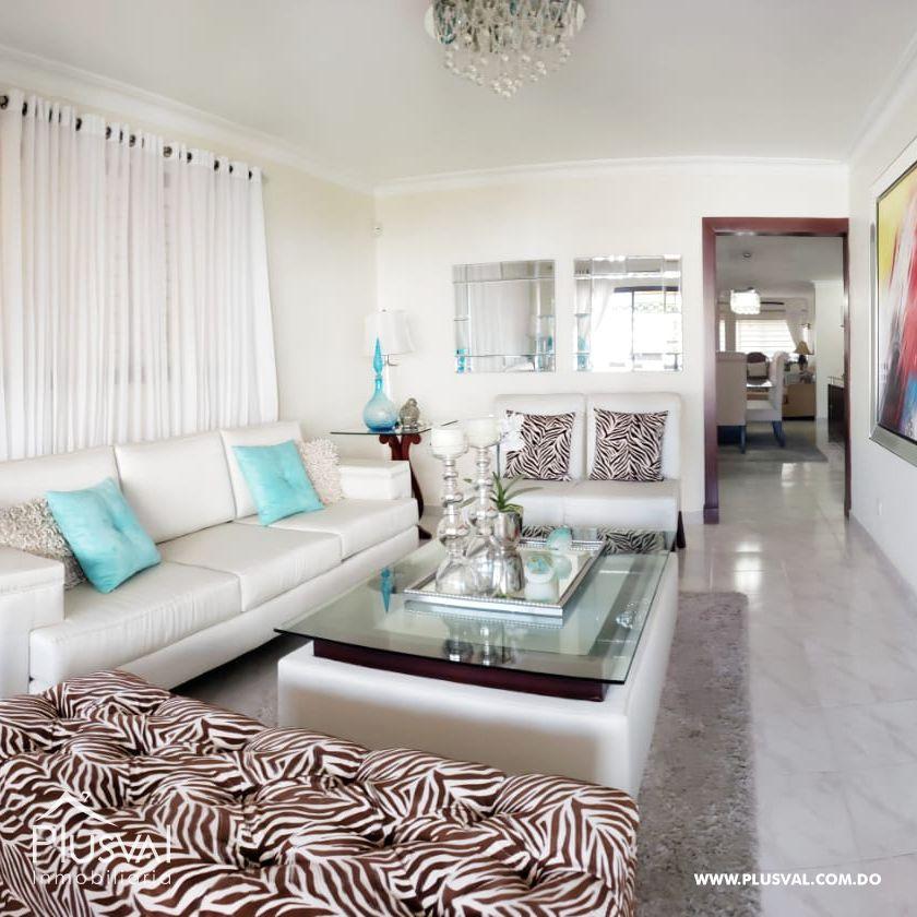 Apartamento en venta en el exclusivo sector Jardines Metropolitanos.