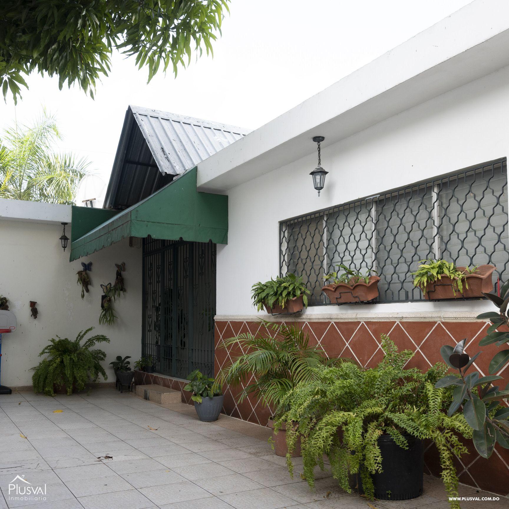 Casa en venta sector Naco , en excelentes condiciones 147835