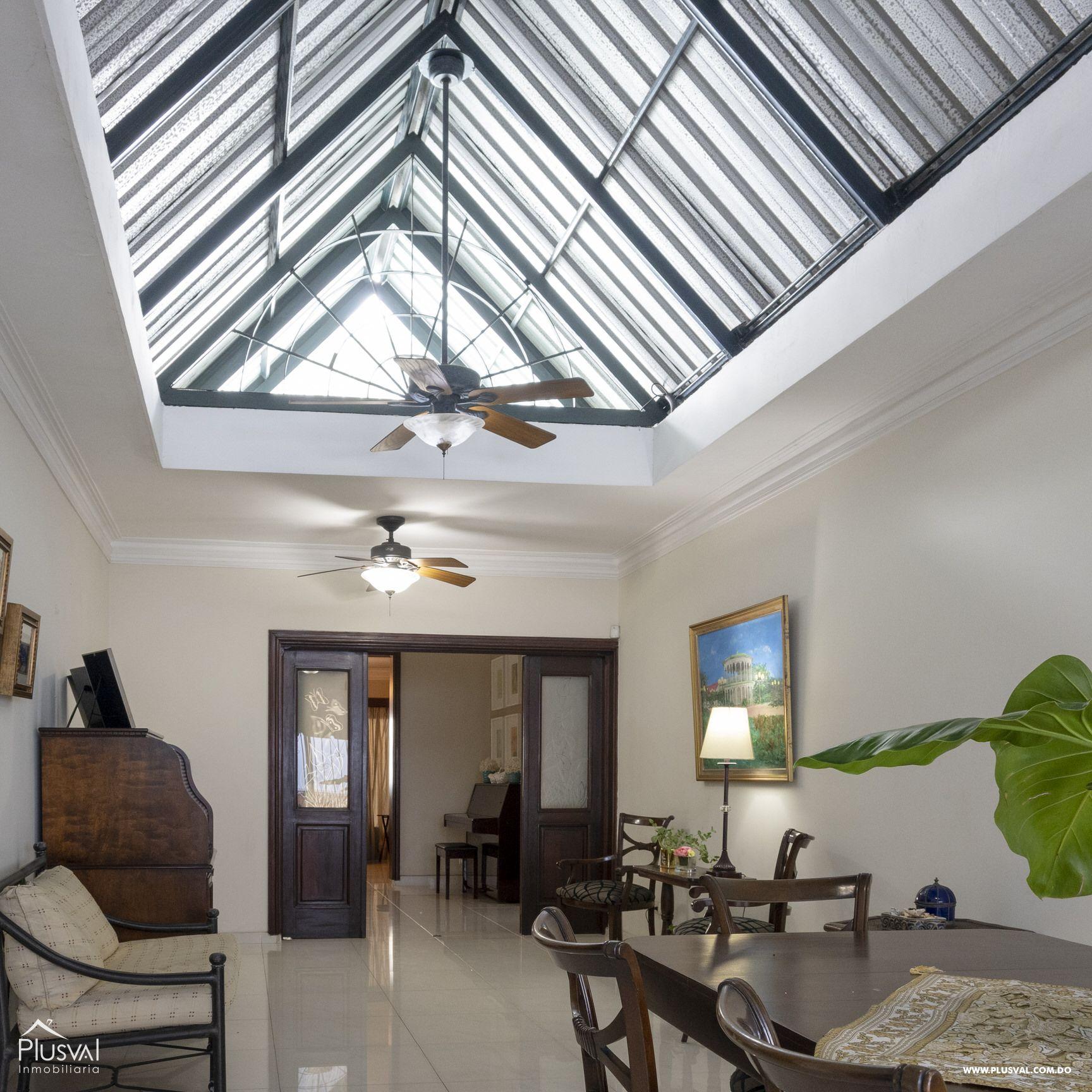 Casa en venta sector Naco , en excelentes condiciones 147836