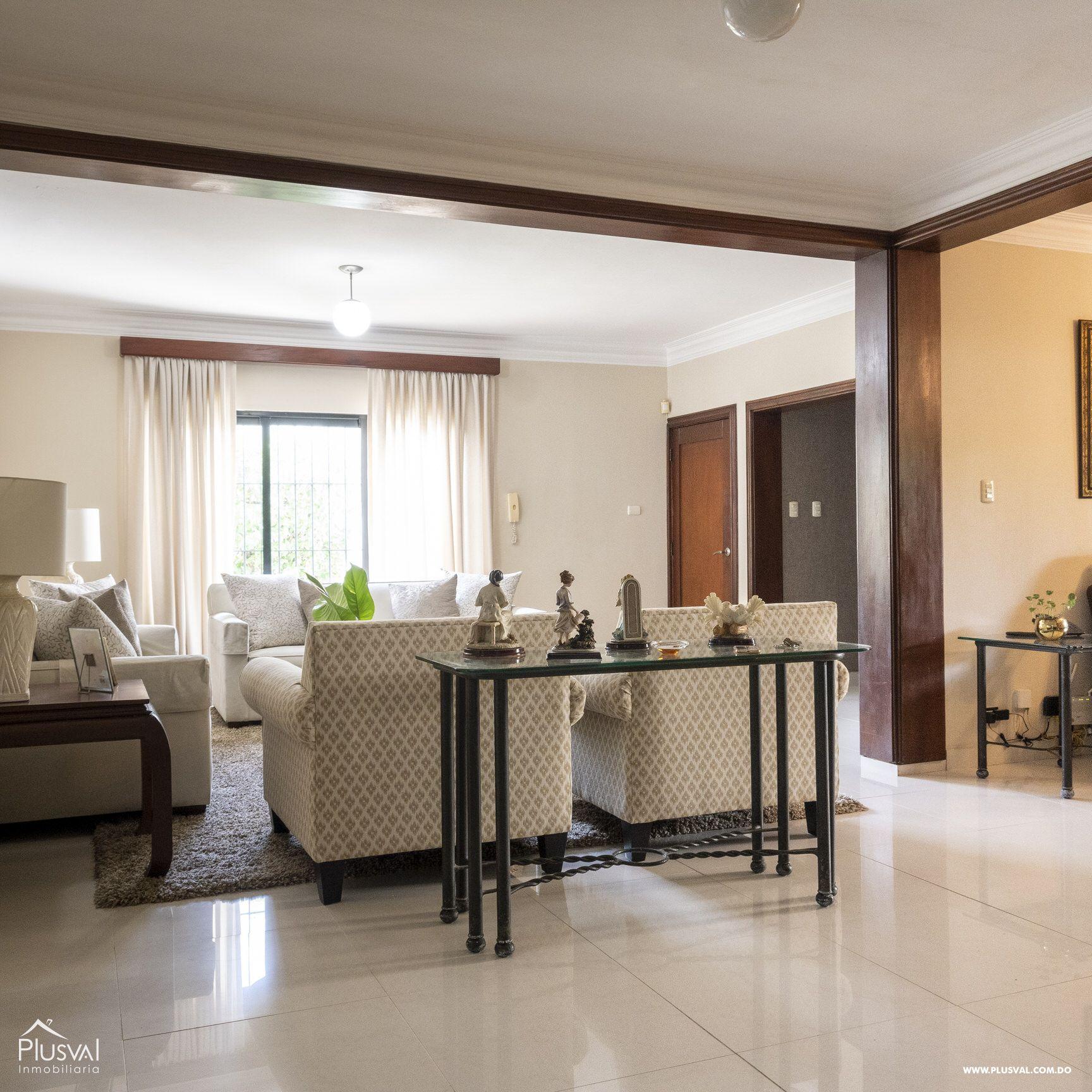 Casa en venta sector Naco , en excelentes condiciones 147837