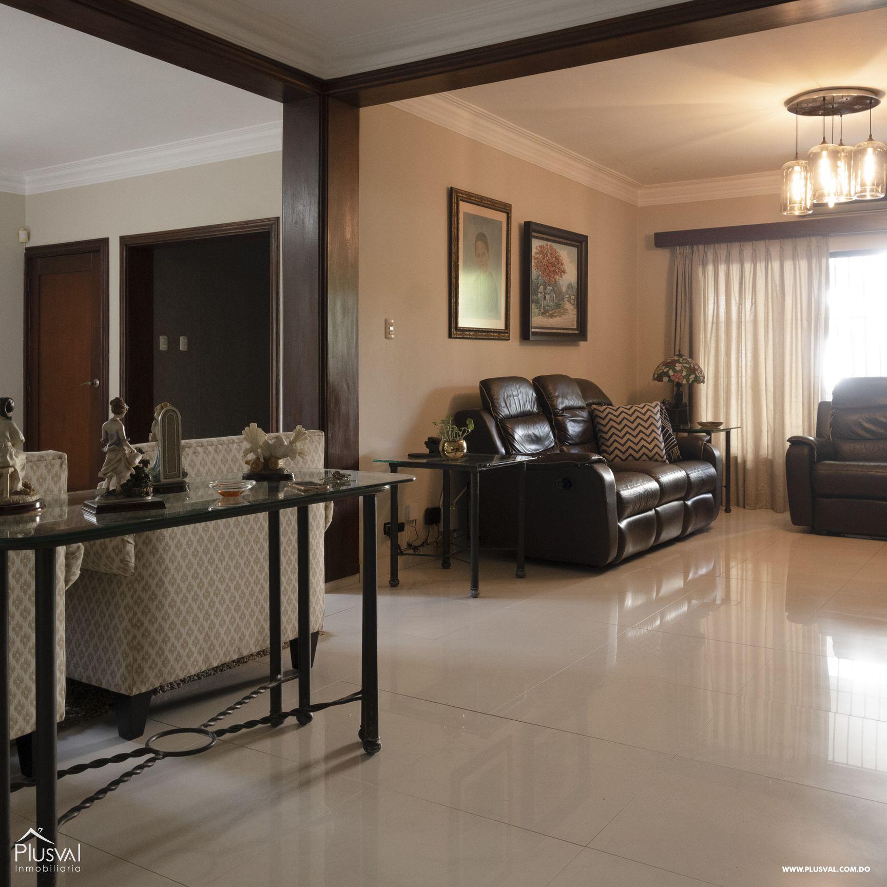 Casa en venta sector Naco , en excelentes condiciones 147838