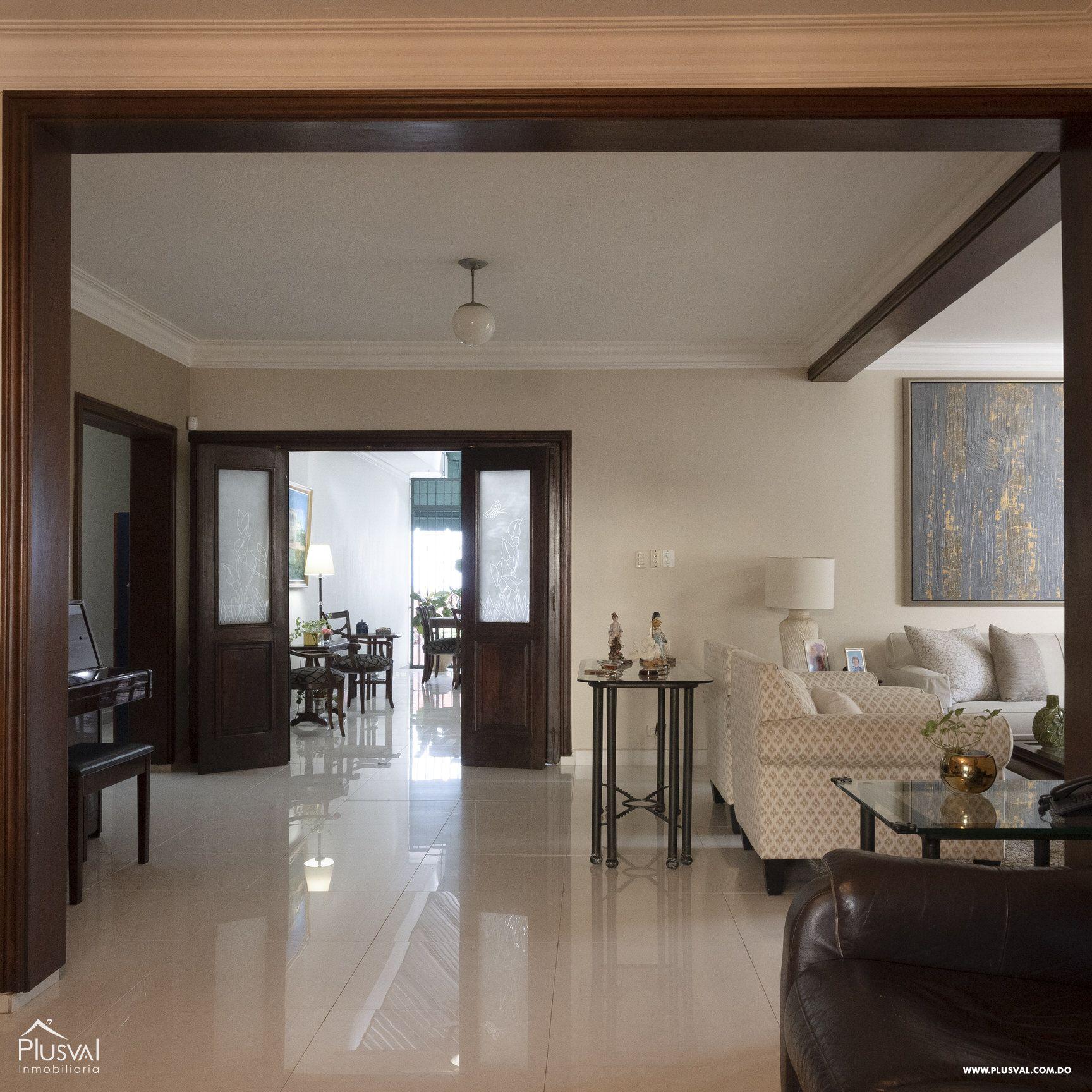 Casa en venta sector Naco , en excelentes condiciones 147840