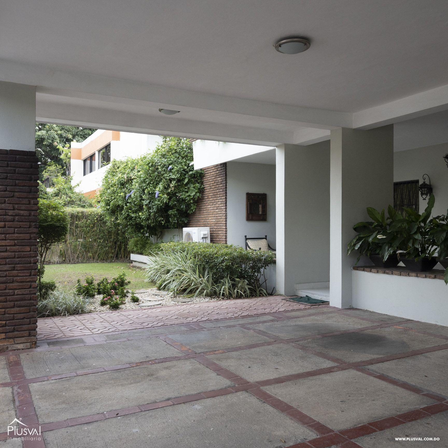 Casa en venta sector Naco , en excelentes condiciones 147841