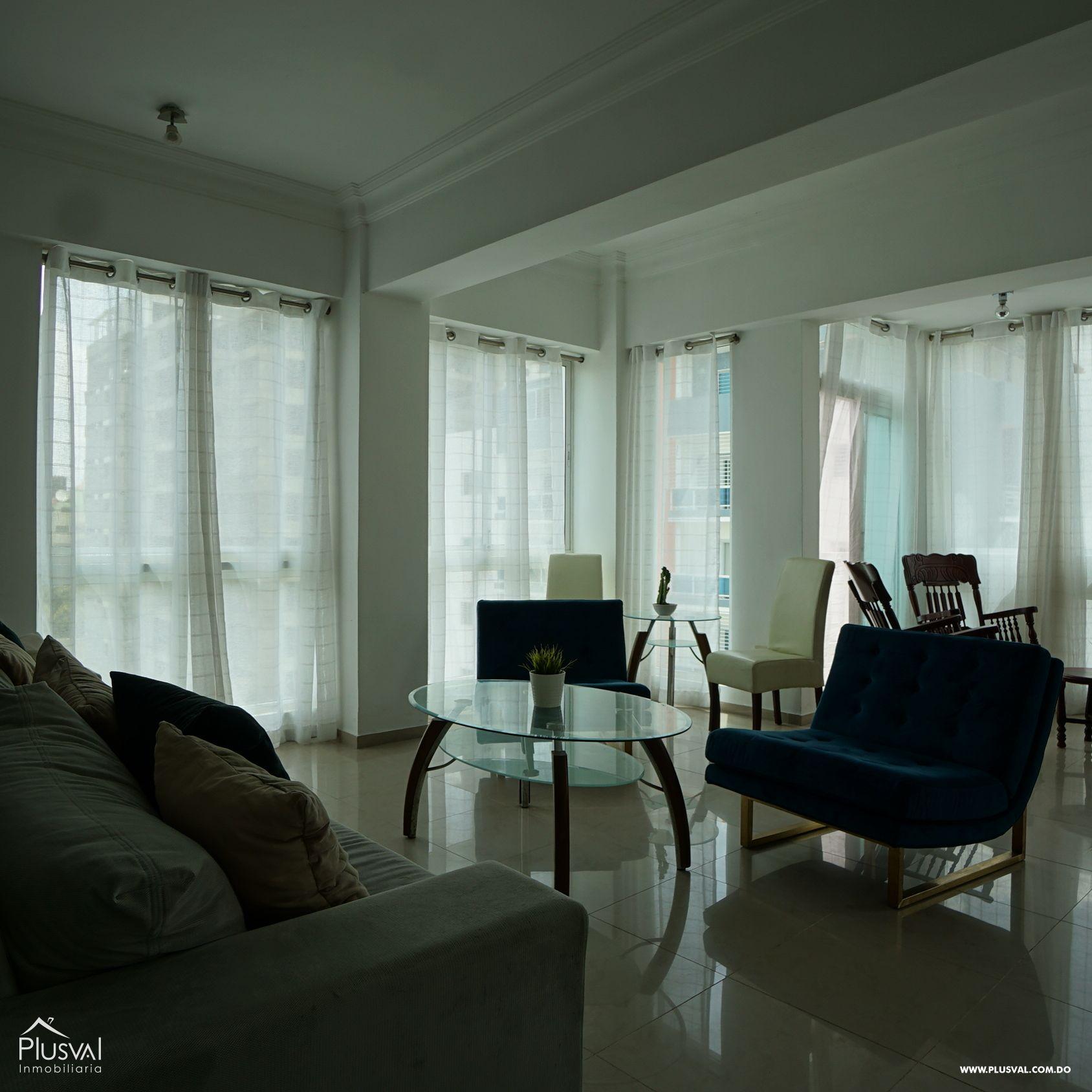 Amplio y fresco apartamento amueblado en alquiler
