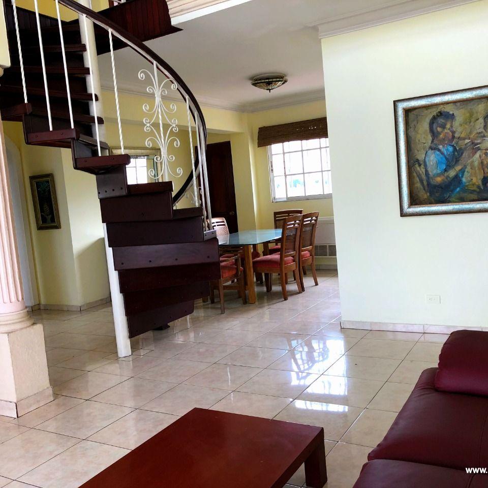 Penthouse en venta, Evaristo Morales 148150