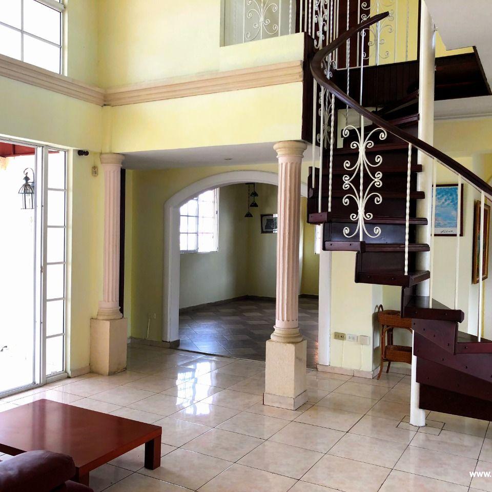 Penthouse en venta, Evaristo Morales 148154