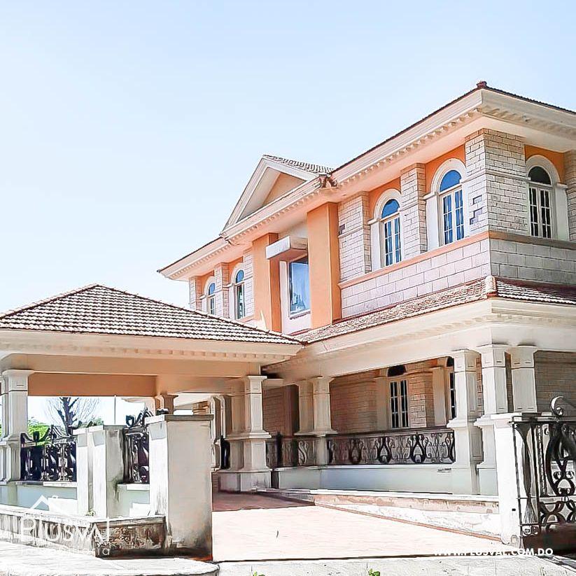 Hermosa Casa en Isabel Villas