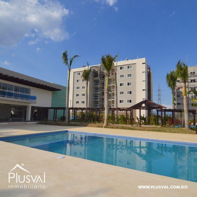 Apartamento en venta, con piscina y área social en Santiago.