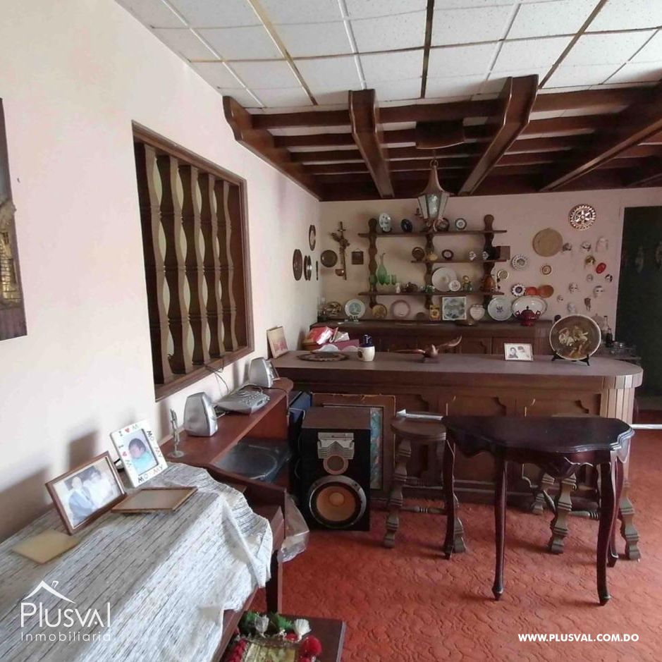 Casa de dos niveles, ideal para inversion, km 91/2 Av. Independencia, Sector San Miguel.