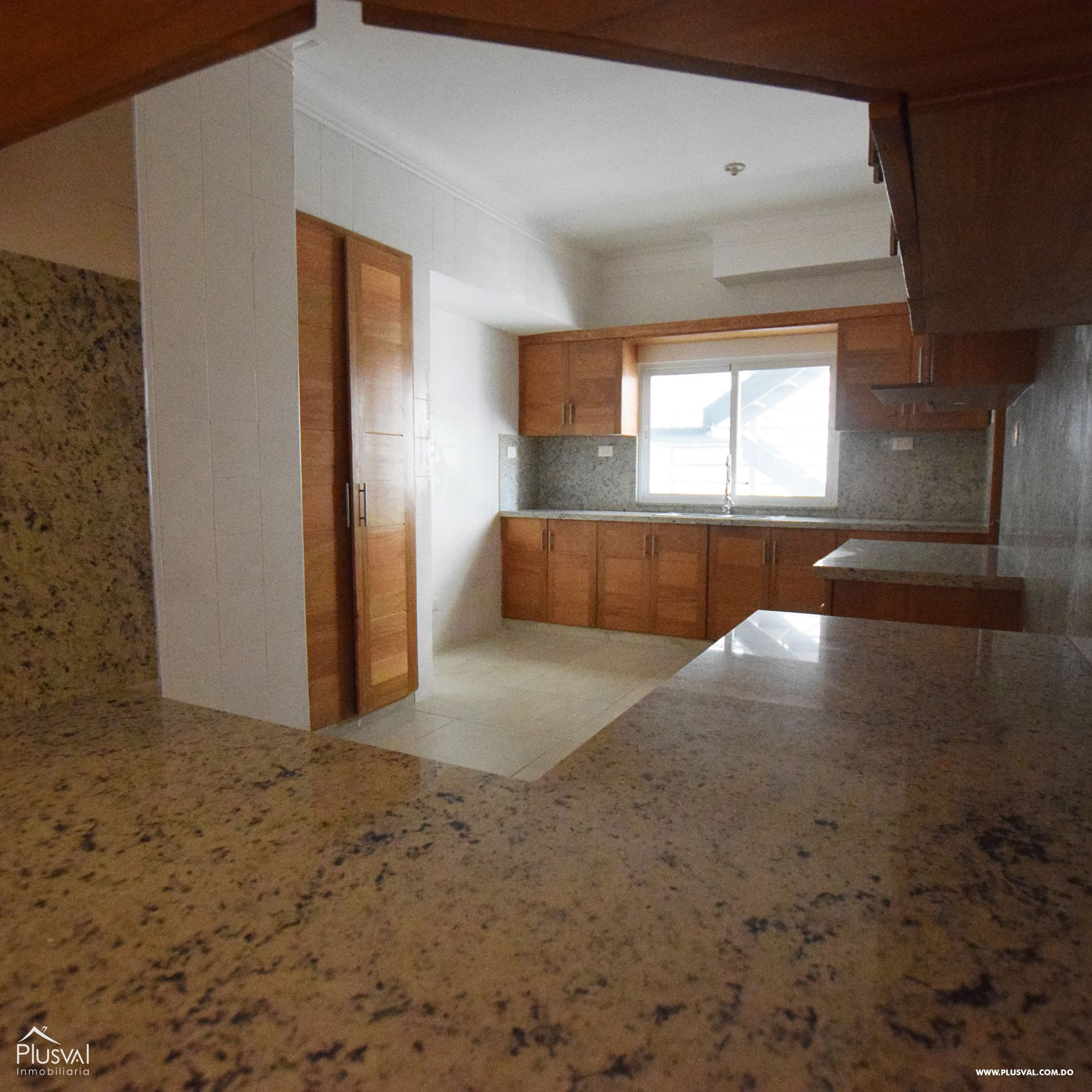 Proyecto residencial en venta, Evaristo Morales 149517