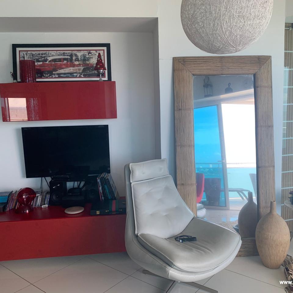 Bello apartamento en venta  en el Malecón 167514
