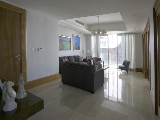 Hermoso apartamento en el centro de Serralles, en venta.