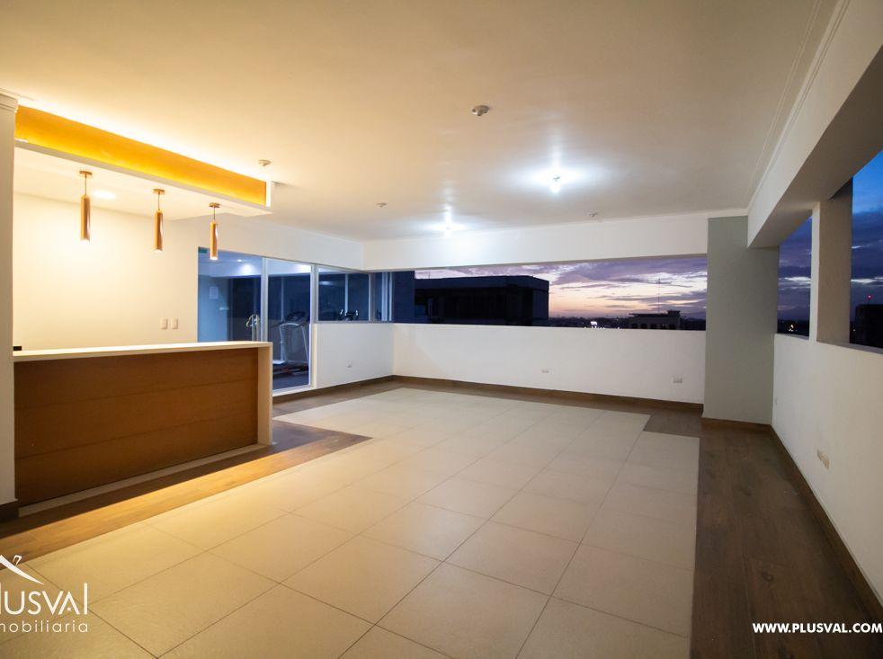 Amplio Apartamento en Venta en Paraíso