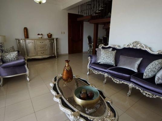 Apartamento tipo Penthouse en venta, Evaristo Morales