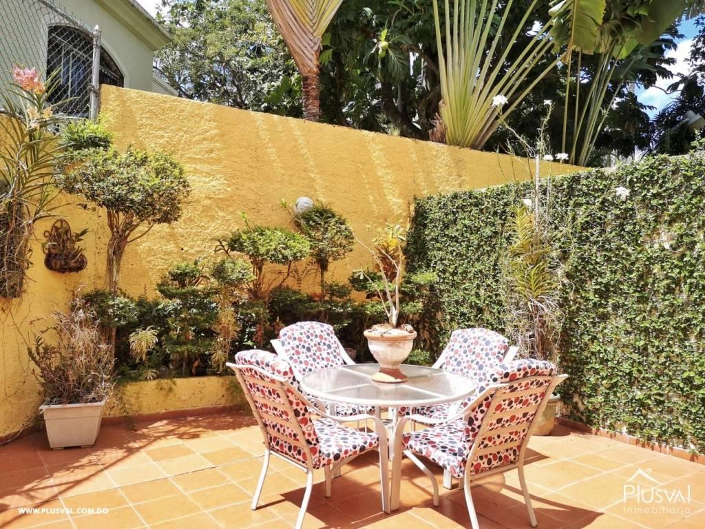 Casa en Venta Altos de Arroyo Hondo III con 6 Habitaciones y 6 Parqueos 139475