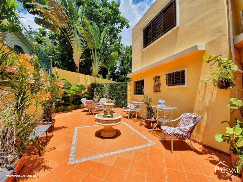 Casa en Venta Altos de Arroyo Hondo III con 6 Habitaciones y 6 Parqueos 139478