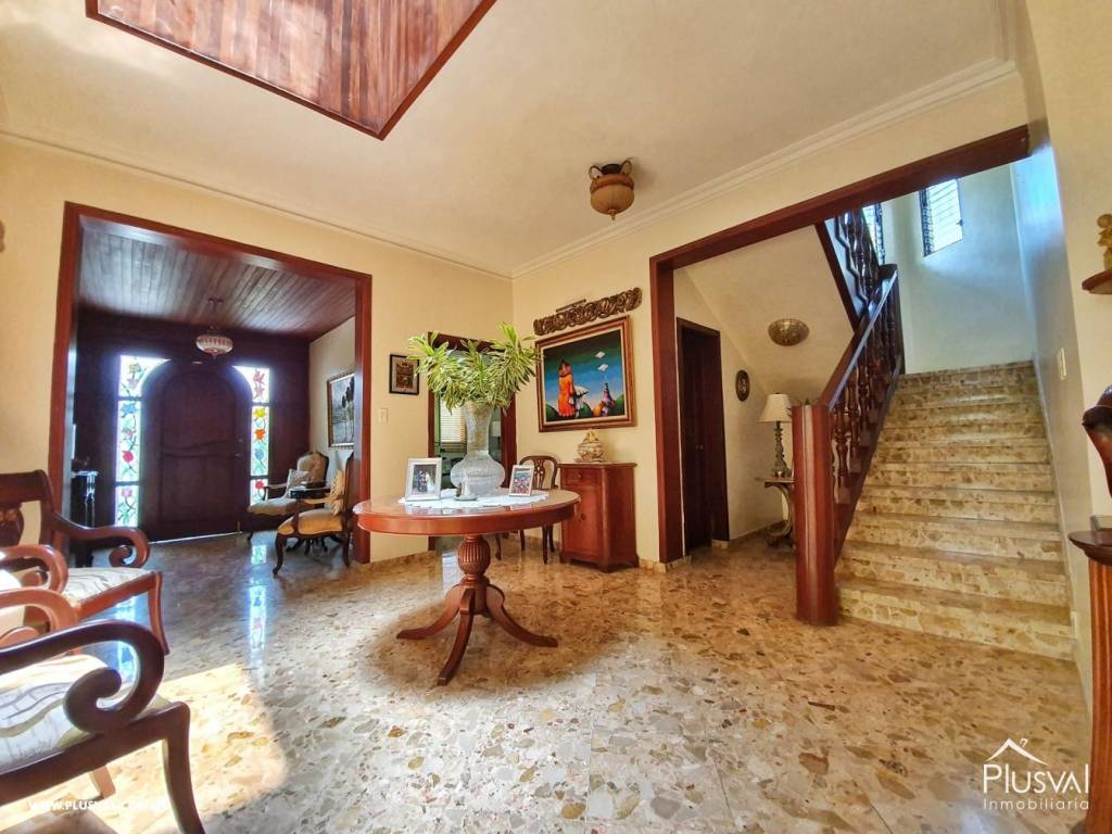 Casa en Venta Altos de Arroyo Hondo III con 6 Habitaciones y 6 Parqueos 139487