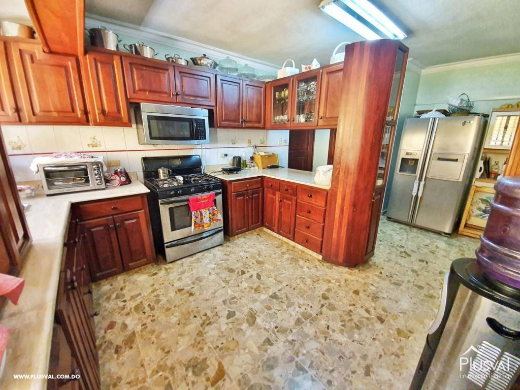 Casa en Venta Altos de Arroyo Hondo III con 6 Habitaciones y 6 Parqueos 139486