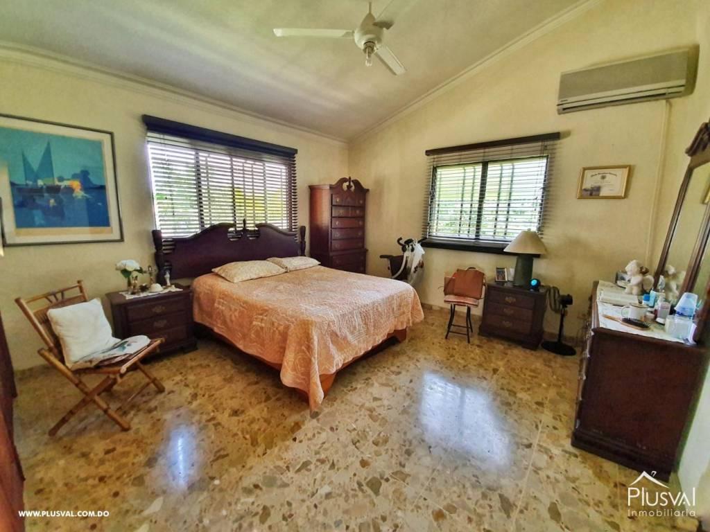 Casa en Venta Altos de Arroyo Hondo III con 6 Habitaciones y 6 Parqueos 139470