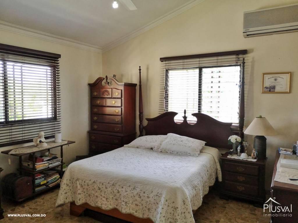 Casa en Venta Altos de Arroyo Hondo III con 6 Habitaciones y 6 Parqueos 139477