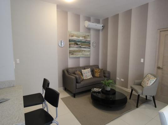 Apartamento Piantini, alquiler amueblado.