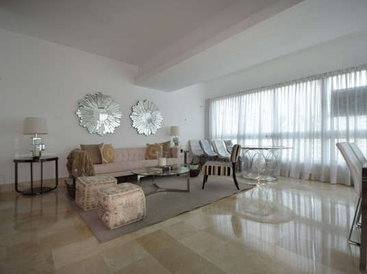 Apartamento en venta, Naco con terraza