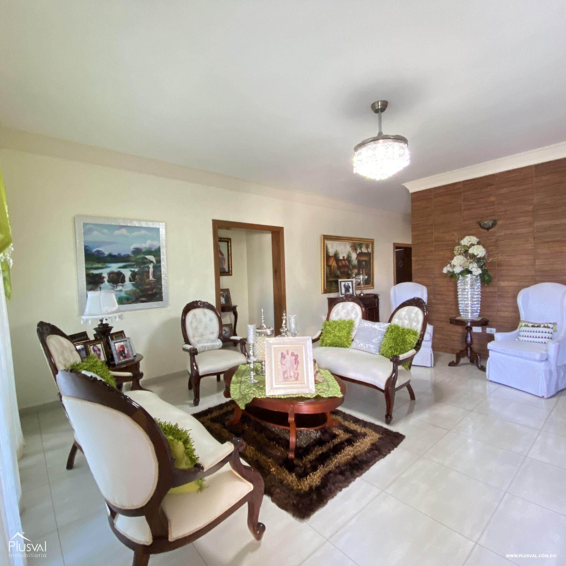 Casa en venta, en Higüey 162120
