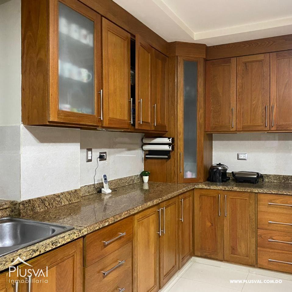 Amplio apartamento, en zona exclusiva de Santiago 172176