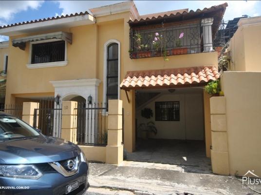 Casa 2 nivelesl en venta, La Julia